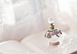 http://lady-tori.deviantart.com/art/Perfume-278092988